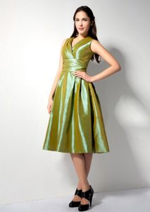 New A-line V-neck Tea-length Maid of Honor Dresses in Olive Green