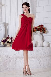 Magnificent Wine Red One Shoulder Ruched Maid of Honor Dress for Spring