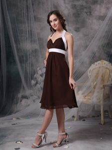 Cheap Brown Halter Knee-length Ruched Chiffon Bridemaid Dress