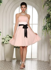 Strapless Baby Pink Beautiful Short Dresses for Prom Queen with Black Sash