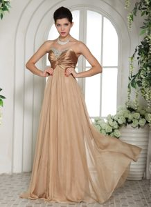 Luxurious Champagne Chiffon Ruched Zipper-up Spring Prom Dress for Girls