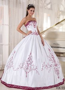 Dressy Strapless White Sweet Sixteen Quinceanera Dress with Embroidery