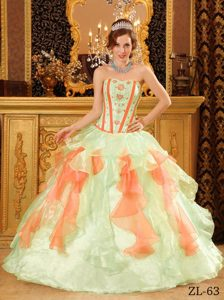 Voguish Multi-Color Sweetheart Quinceaneras Dresses in Organza with Appliques