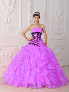 Good Quality Strapless Sweet Sixteen Quince Dresses with Appliques and Ruffles