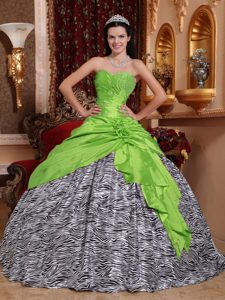 Modest Spring Green Sweetheart Beading Quinces Dresses in and Zebra