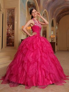 Modest Organza Halter Quinceanera Gowns with Ruffles and Appliques in Red