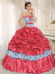 Coral Red Sweetheart Quinceanera Dresses with Pick-ups and Beading