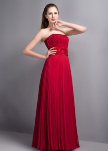 Perfect Strapless Long Bridesmaid Dress with Pleat in Popular Wine Red