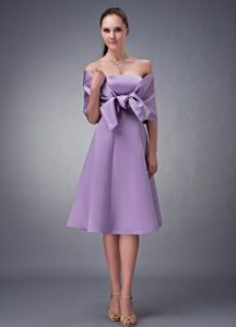 Chic Lavender A-line Strapless Satin Bridesmaid Dress in Tea-length