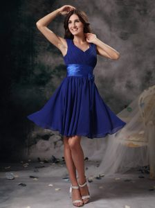 Mini Peacock Blue Empire V-neck Chiffon Dresses for Bridesmaid with Ruche