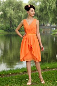 Knee-length Chiffon Ruched Empire V-neck Dresses for Bridesmaid in Orange