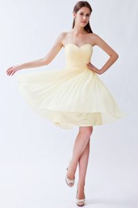 Empire Sweetheart Knee-length Chiffon Bridesmaid Dresses in Light Yellow