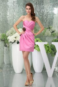 Sweetheart Pink Ruched Party Dresses to Mini-length with Handle Flower