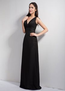 V-neck Black Maternity Bridesmaid Dresses with Long and Lace