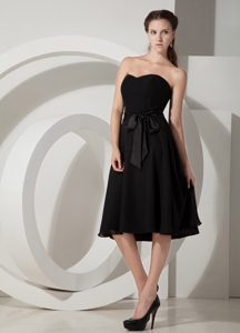 Black Princess Sweetheart Maternity Bridesmaid Dress in Tea-length with Sash