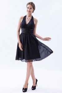 Discount Halter-top Knee-length Maid of Honor Dress with Ruches