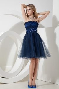 Navy Blue Flounced Strapless Knee-length Tulle Prom Party Dress with Beading