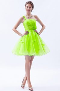 Spring Green One Shoulder Mini-length Ruched Prom Dress for Girl with Flowers