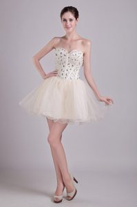 Sweetheart Mini-length Champagne Tulle Prom Dress for Cocktail with Beading