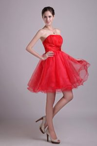 Red Ruched Strapless Mini-length Organza Prom Cocktail Dresses with Beading