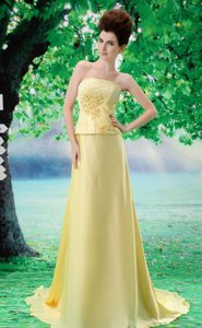 Beaded Chiffon A-Line Yellow Strapless Dresses for Prom Court with Court Train