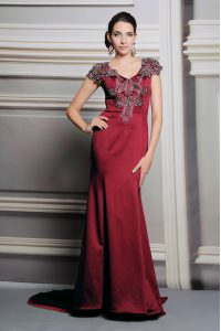 Fabulous Short Sleeves Appliques Side Zipper Pageant Dress for Teens with Burgundy Court Train