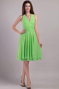 Impressive Spring Green Halter Knee-length Chiffon Dress for Prom Queen