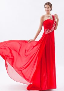 Ruched and Beaded Lace-up Chiffon Luxurious Prom Formal Dresses in Red