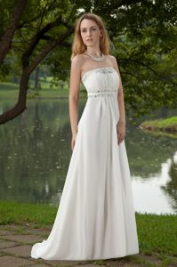 Beautiful Strapless White Prom Dresses for Ladies with Beading under 150