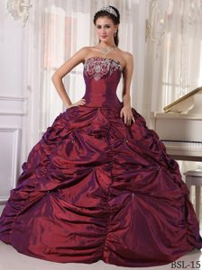 Wine Red Ball Gown Strapless Quinceanera Gown Dress with Embroidery