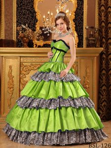 Popular Sweetheart Green Quinceanera Dresses with Ruffles for Cheap