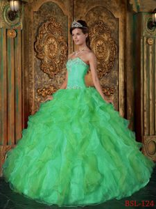 Beautiful Green Sweetheart Organza Quinceanera Gown Dress with Ruffled Layers
