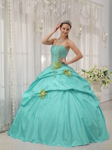 Strapless Quinceanera Gowns with Beads and Handle Flowers in Apple Green