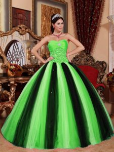Dressy Sweetheart Quinceanera Dresses with Beads in Spring Green and Black