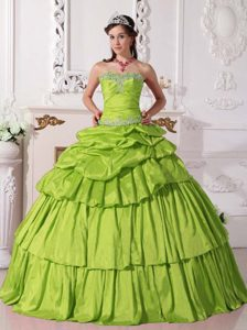 Sweetheart Appliqued Quince Dresses with Pick-ups in Yellow Green