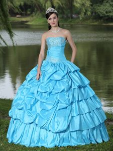 Aqua Blue Layered Quinceanera Dresses with Beadings and Pick-ups in