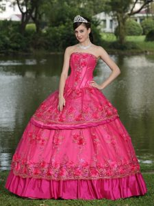 Modest Style Sweet 16 Dresses in Coral Red with Handle Flowers and Beads