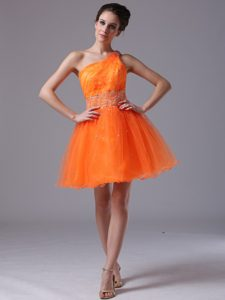 One Shoulder Orange Attractive Lace-up Beaded Short Prom Dress for Ladies