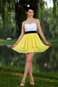 Yellow and White Sweetheart Chiffon Prom Dress for Short Girl with Sash