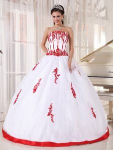 2014 Applique Strapless White Organza Quinceanera Dresses with Red Hem