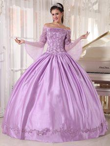 Long Sleeves Off Shoulder Appliques Lavender Quinceanera Gown Dresses