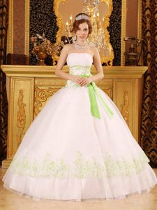 Bowknot Sash Strapless Appliques White Layers Ball Gown Quinces Dress
