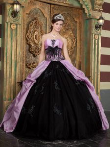 Exclusive Lavender and Black Strapless Quinces Dresses in with Appliques