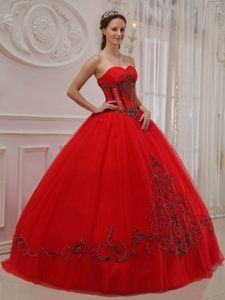 Romantic Red Ball Gown Sweetheart Long Tulle Quinceanera Dress Gowns