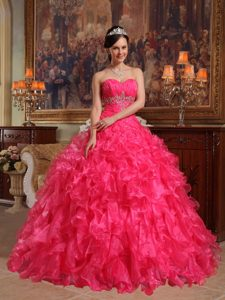 Elegant Red Ball Gown Sweetheart Dress for Quinceanera in Organza with Beading