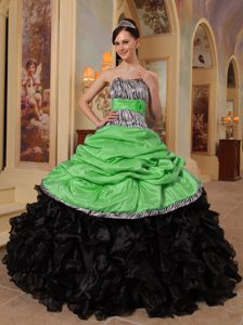 Latest Sweetheart and Organza Dress for Quinceaneras in Green and Black
