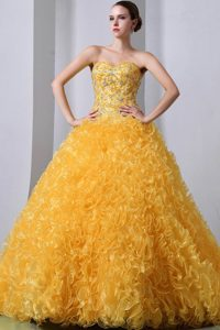 Voguish Golden A-line Brush Train Organza Beading Quinces Dresses with Ruffles
