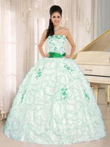 Trendy White Organza Strapless Quinceanera Dresses with Embroidery Decorated