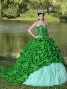Extravagant Quinceaneras Dresses with Appliques and Pick-ups in Green and White