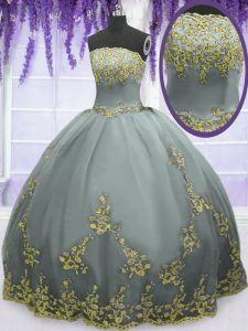 High Quality Tulle Sleeveless Floor Length Quinceanera Dress and Appliques